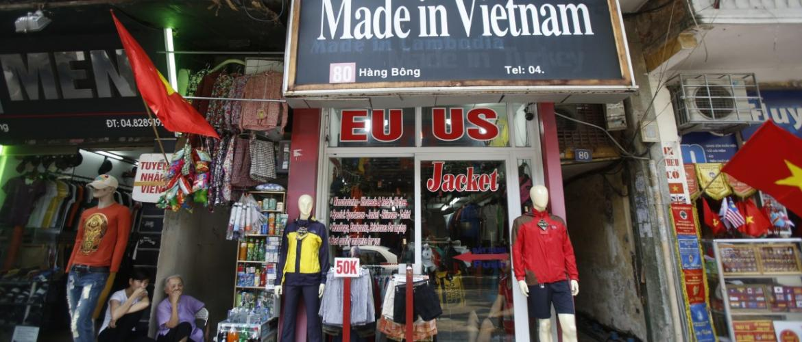 Trump extends trade war to Vietnam