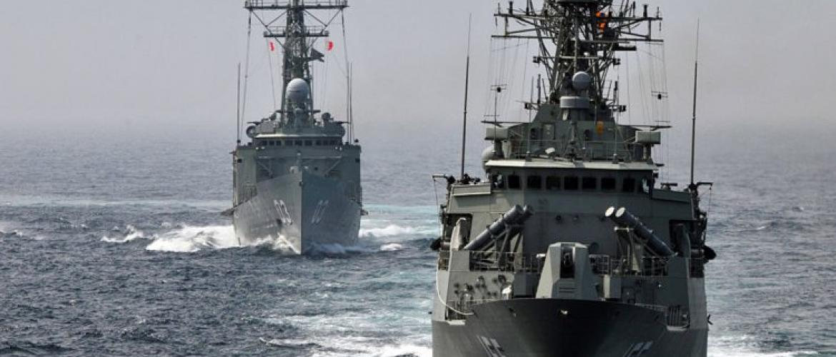 Chinese navy targets Australian warships