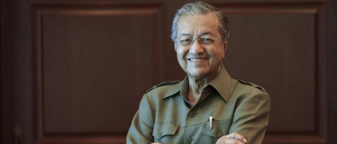 Mahathir returns to Malaysian politics