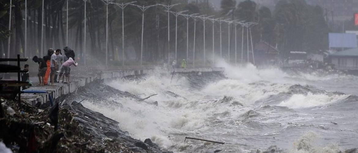 Typhoon Mangkhut batters south China