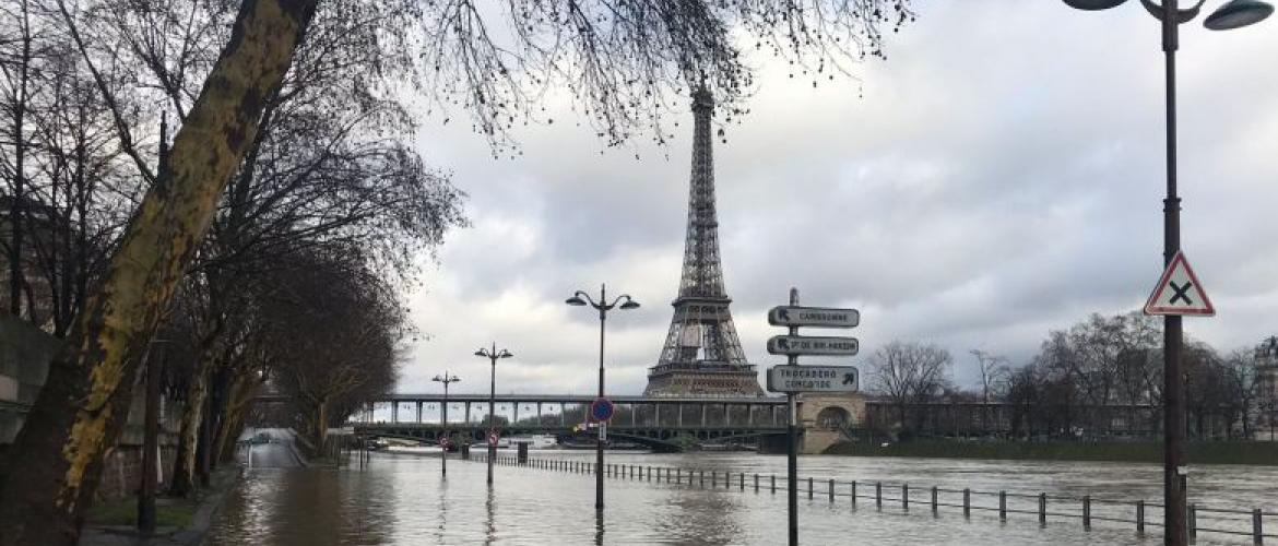 Paris on flooding alert