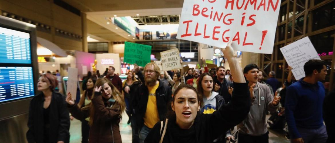 Trump travel ban: Seattle judge issues nationwide block